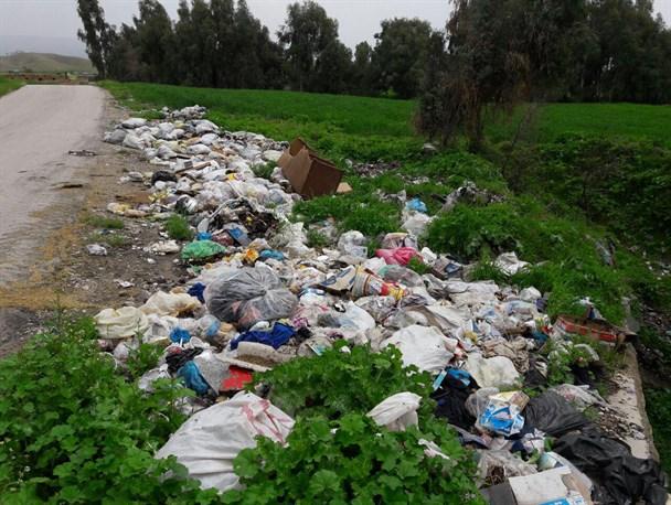 شهری در محاصره زباله و فاضلاب رودخانه